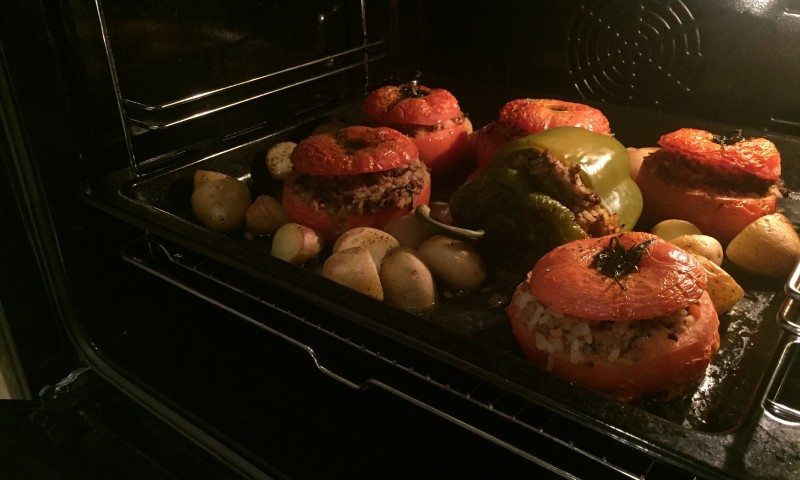 Gemista – Stuffed tomatoes and peppers