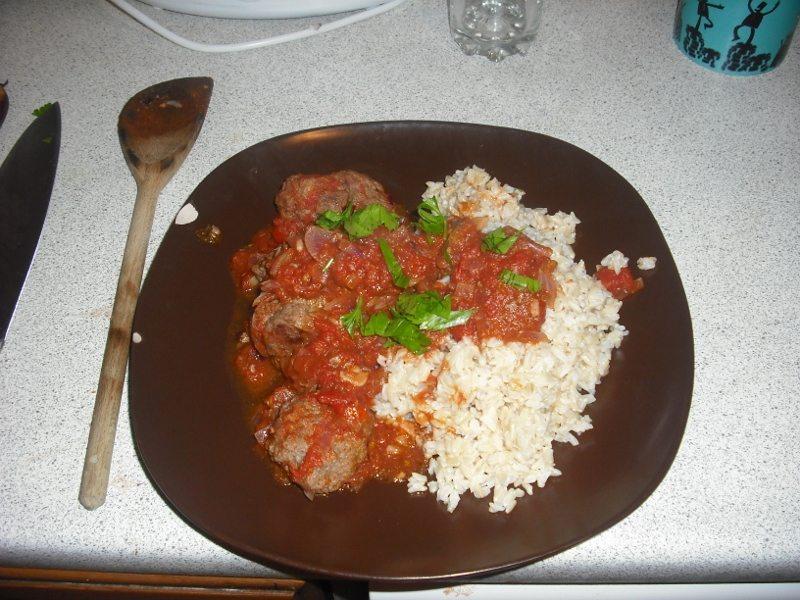 Soutzoukakia Smyrneika – Greek Meatballs with Red Sauce