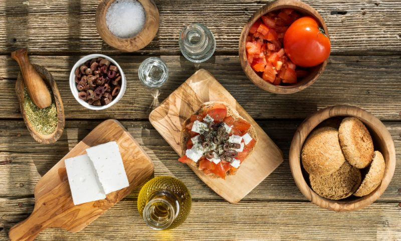 Dakos : The famous Cretan starter