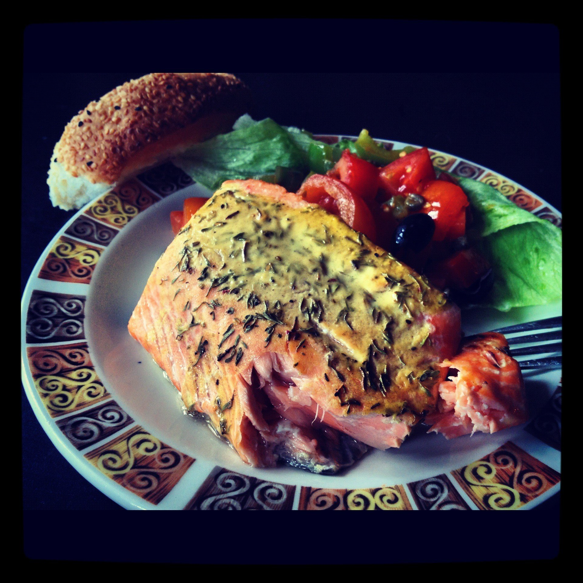 Salmon fillets with mustard sauce