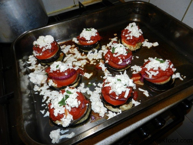 Aubergines-with-feta-cheese-in-the-pan